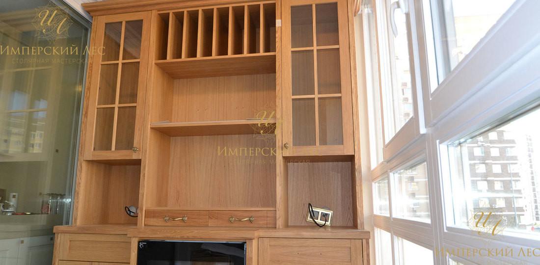 Винный шкаф из дерева на балкон